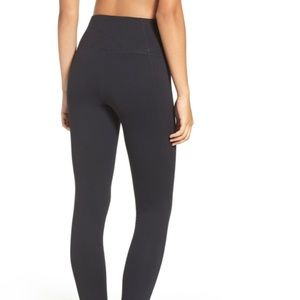 Zella Black live in high waisted yoga pants L
